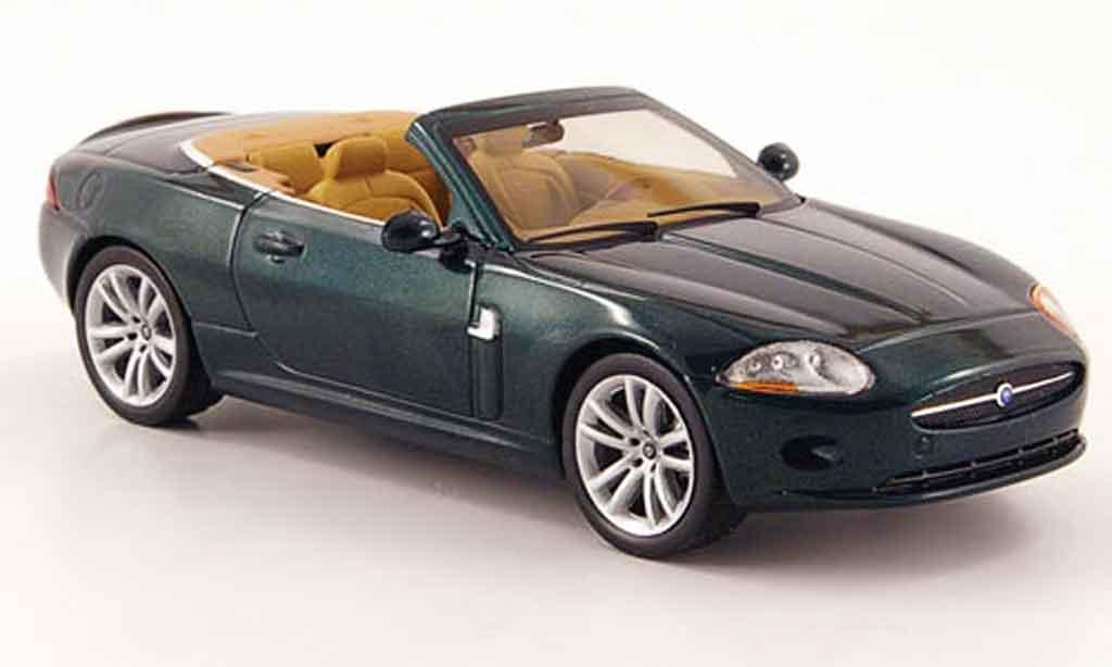 Jaguar XK Cabriolet 1/43 IXO verte 2005 miniature