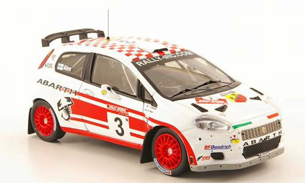Fiat Punto 1/43 IXO S2000 No.3 Abarth Rally Russland 2007 diecast model cars
