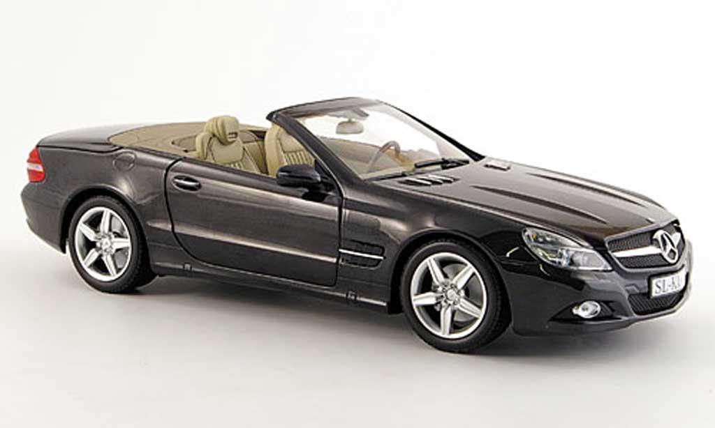 Mercedes Classe SL 1/18 Minichamps (r 230) noire miniature