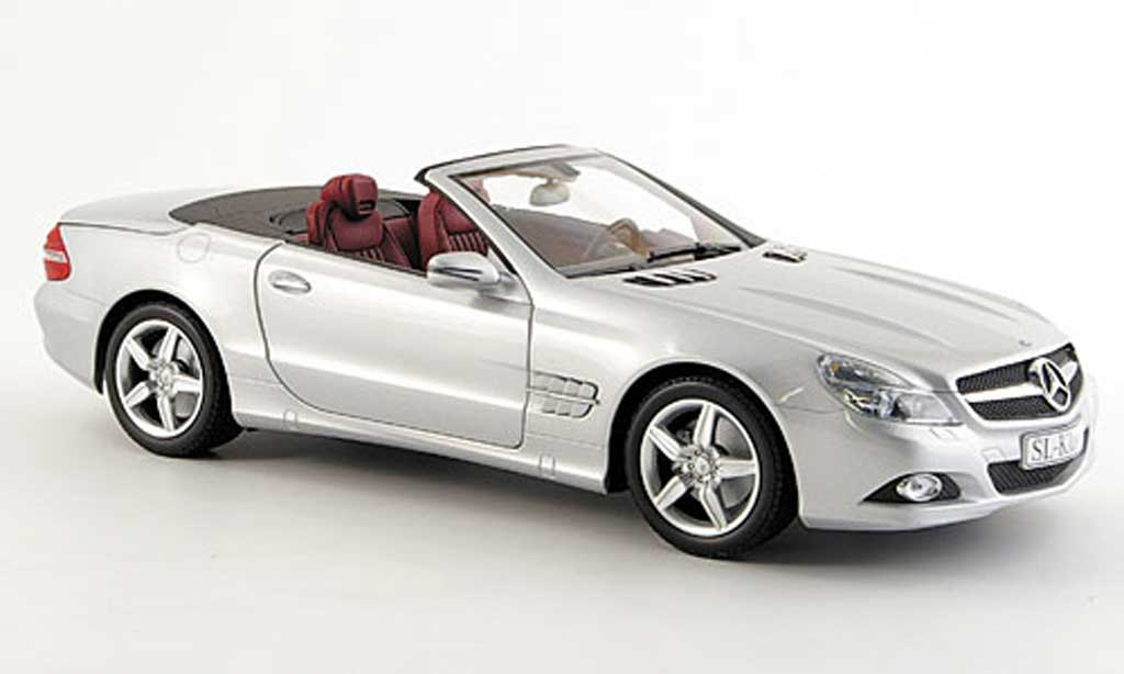 Mercedes Classe SL 1/18 Minichamps (r 230) grise metallisee miniature
