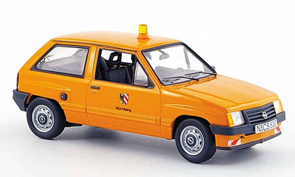Opel Corsa 1/43 Schuco a stadt nurnberg kommunalorange miniature