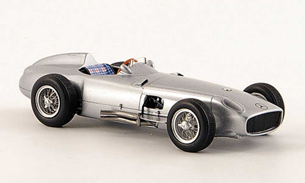 Mercedes W 196 1/43 Premium ClassiXXs Monoposto grise miniature