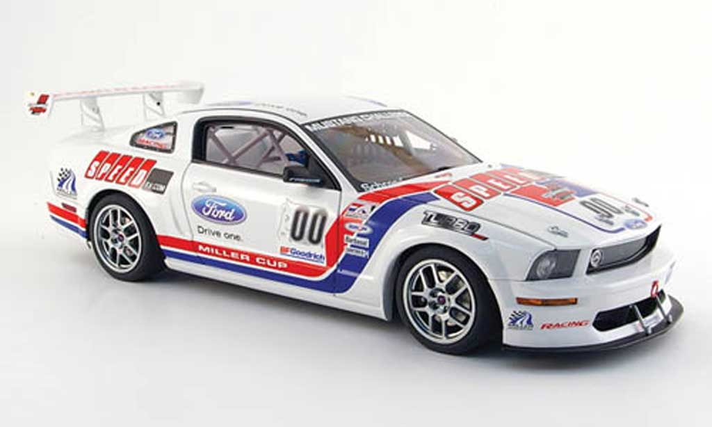 Ford Mustang 2005 1/18 Autoart 2005 fr 500 s no.00 speed tv challenge modellautos
