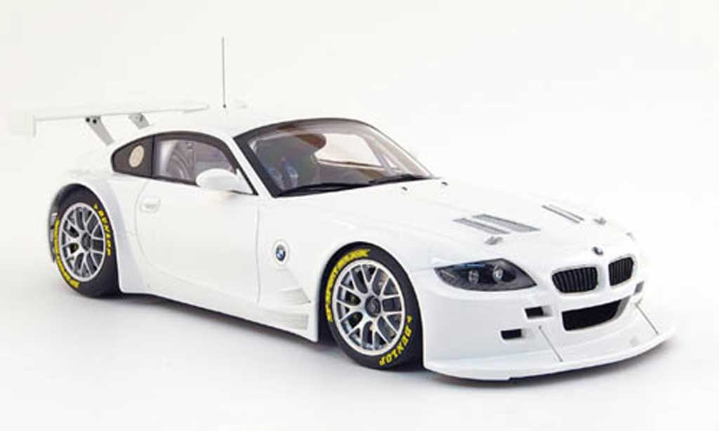 Bmw Z4 E85 1/18 Autoart race car coupe plain body white 2007 diecast