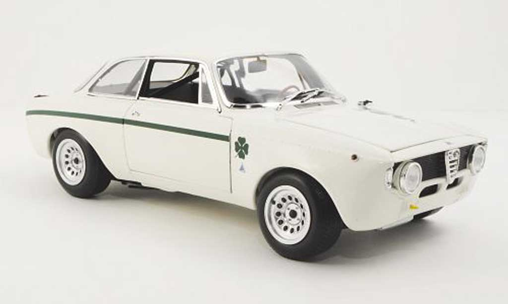 Alfa Romeo Giulia 1300 GTA 1/18 Minichamps Junior white 1972 diecast