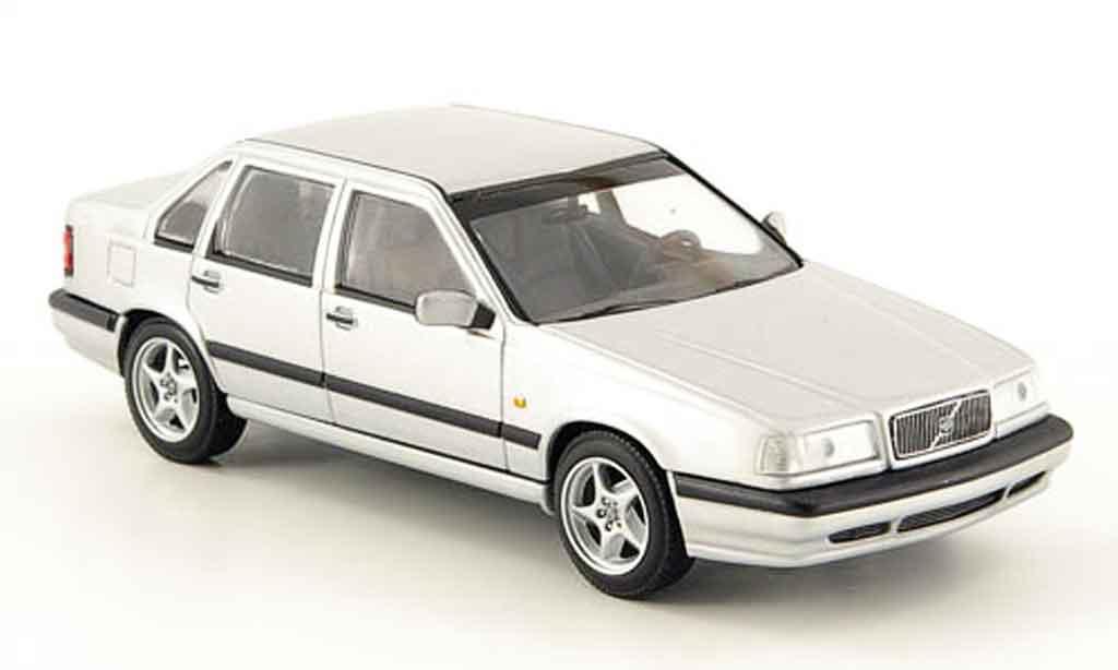 Volvo 850 1/43 Minichamps grise 1994 miniature