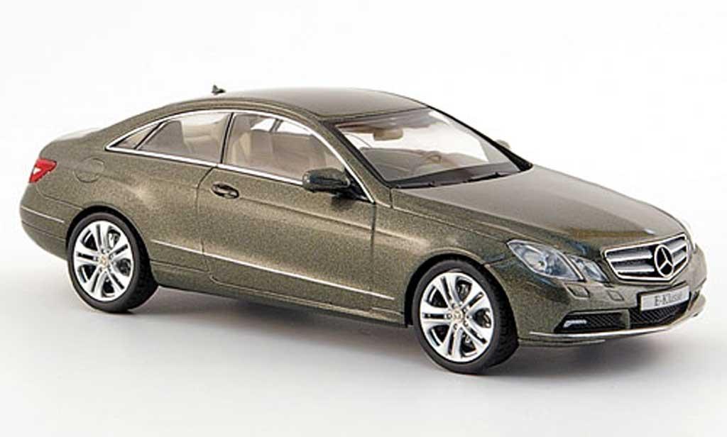 Mercedes Classe E 1/43 Schuco Coupe (C 207) grise 2009 miniature