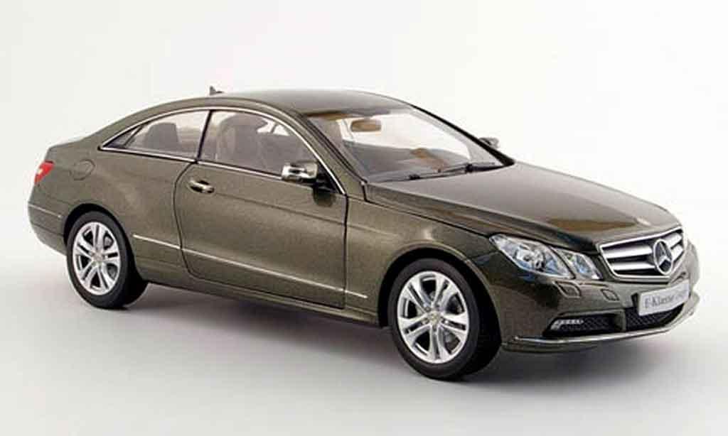 Mercedes Classe E 1/18 Norev coupe (c 207) grise 2009 miniature