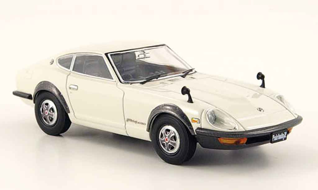 Nissan 240 ZG 1/43 Ebbro Fairlady blanche 1971