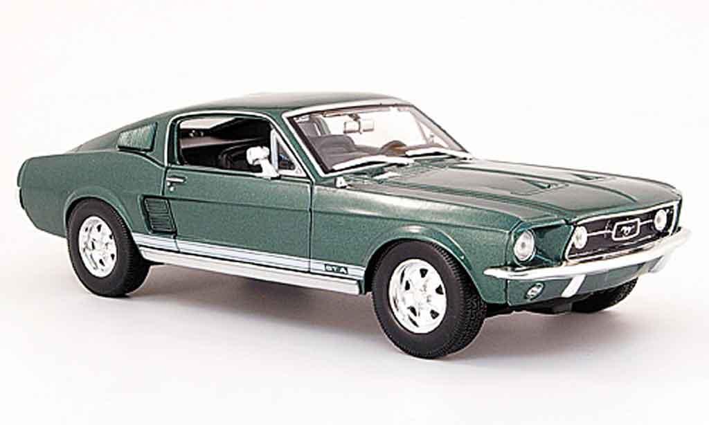 Ford Mustang 1967 1/18 Maisto gta fastback grun modellino in miniatura