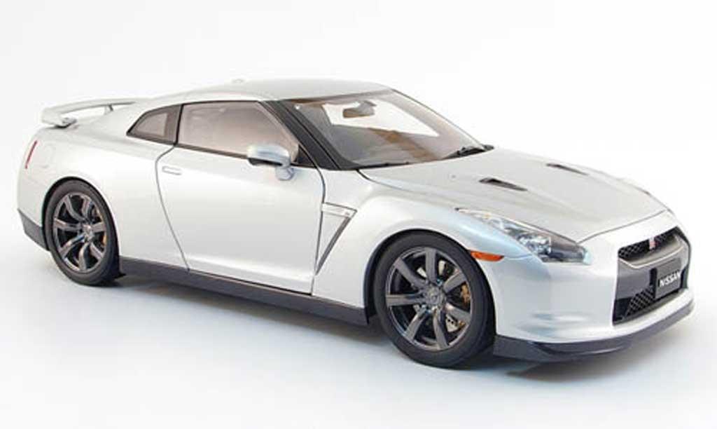 Nissan Skyline R35 1/18 Kyosho gt-r premium edition grise 2008 miniature