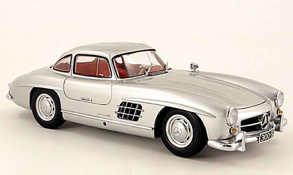 Mercedes 300 SL 1/18 Minichamps grise 1954 miniature