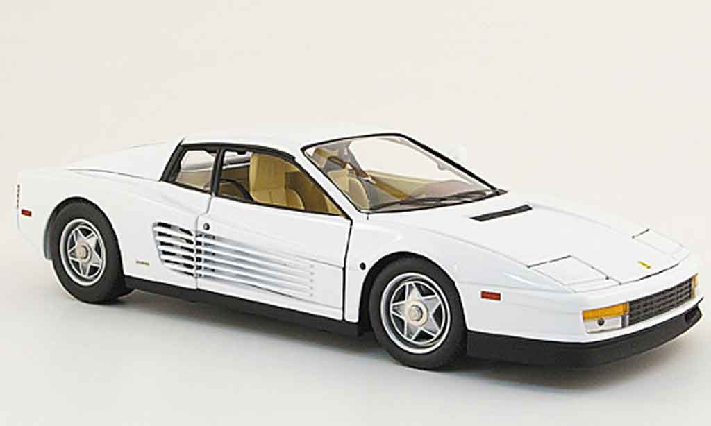 Ferrari Testarossa Miami Vice 1/18 Hot Wheels Elite blanche 1984 miniature