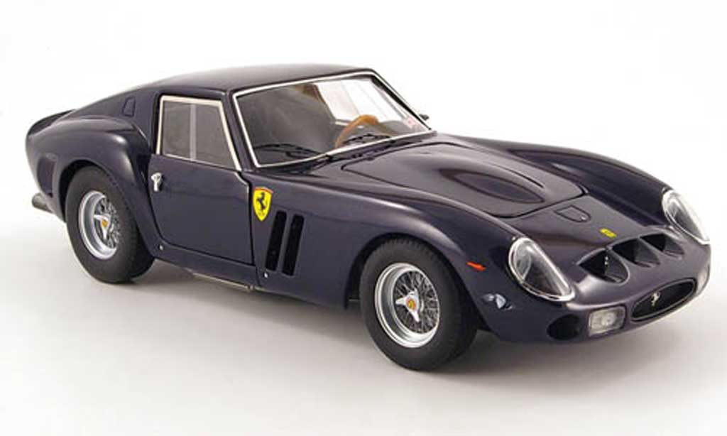 Ferrari 250 GTO 1/18 Hot Wheels Elite bleu vanilla sky modellino in miniatura