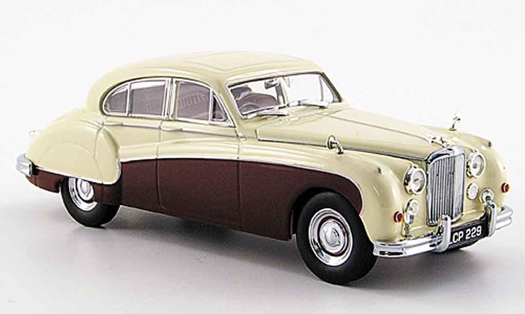 Jaguar MK 9 1/43 Oxford creme rouge miniature