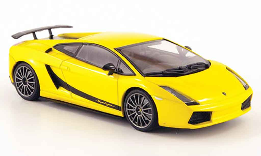 Lamborghini Gallardo Superleggera 1/43 Autoart yellow diecast