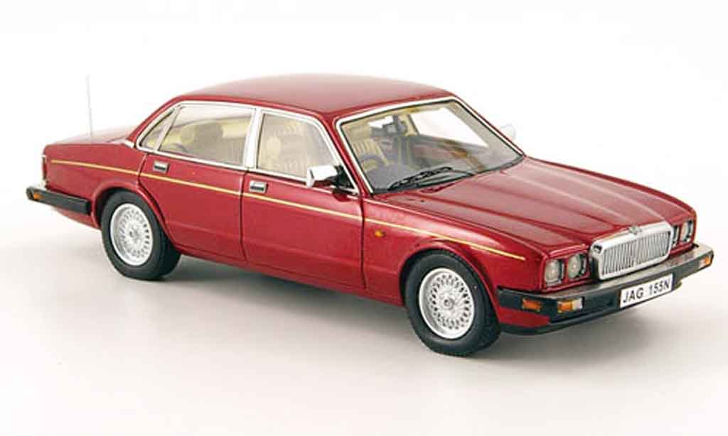 Jaguar XJ 40 1/43 Neo sovereign rouge 1990 miniature