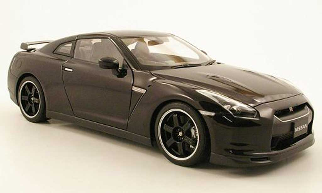 Nissan Skyline R35 1/18 Autoart gtr spec v black diecast model cars