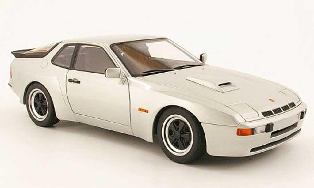 Porsche 924 1980 1/18 Autoart carrera gt grigia miniatura