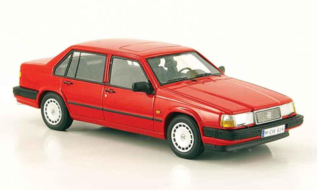 Volvo 940 1/43 Neo rouge 1992 miniature