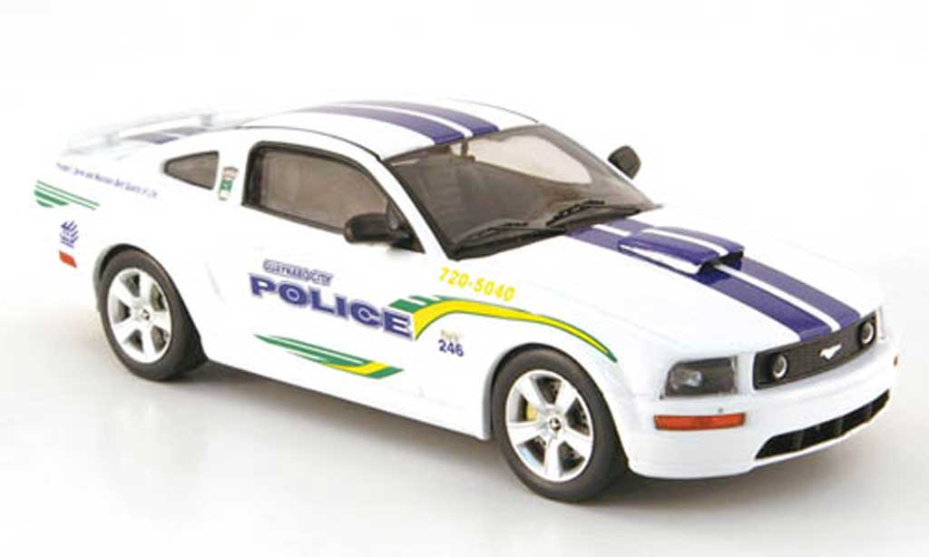 Ford Mustang GT 1/43 IXO Guaynabo City - Puerto Rico Police 2006 miniature