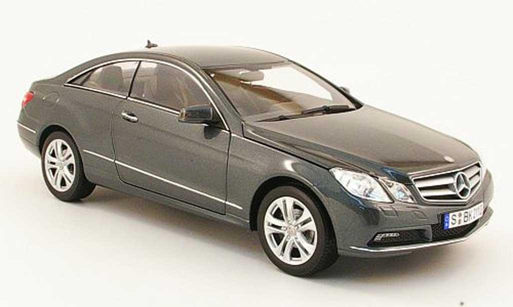 Mercedes Classe E 1/18 Norev e 500 coupe grise 2009 miniature