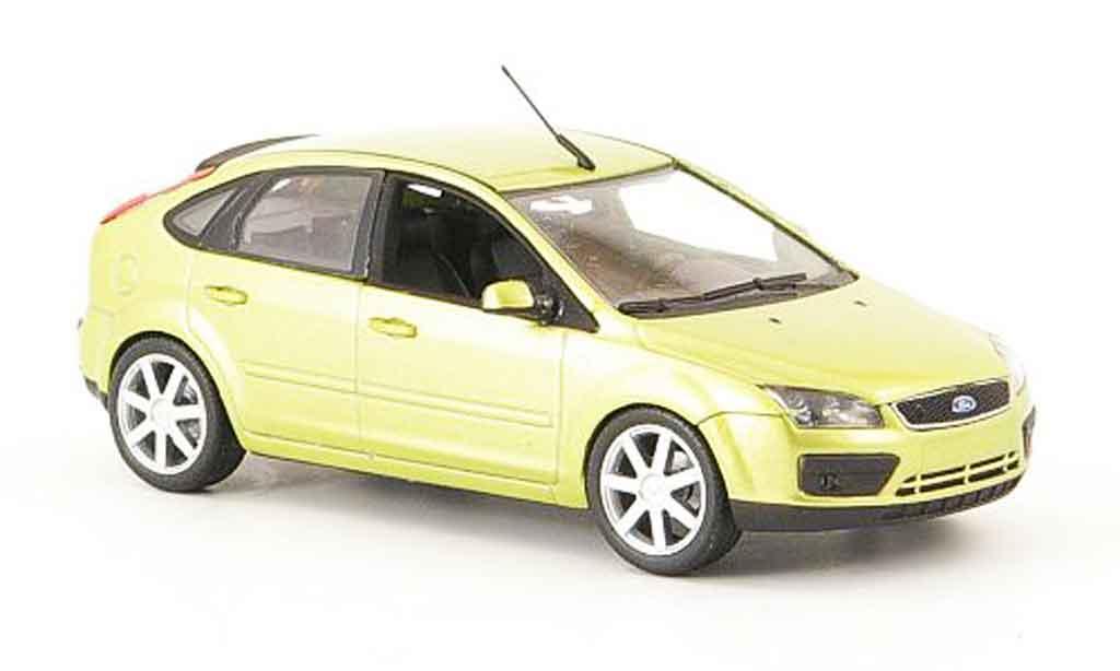 Ford Focus 1/43 Minichamps jaune 5 turig 2004 miniature