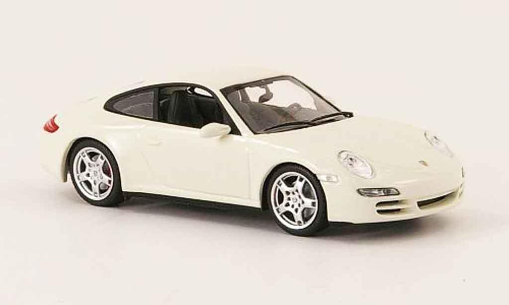 Porsche 997 Carrera 1/43 Minichamps 4S (997) Coupe white 2005 diecast