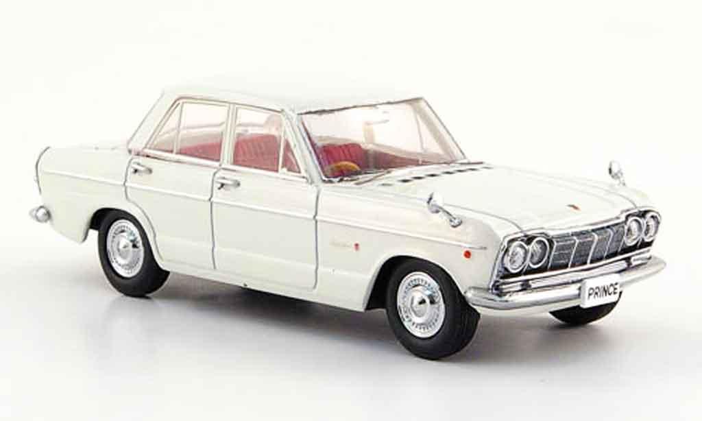 Nissan Skyline Prince 1/43 Ebbro 2000 GTB bianco 1965 modellino in miniatura
