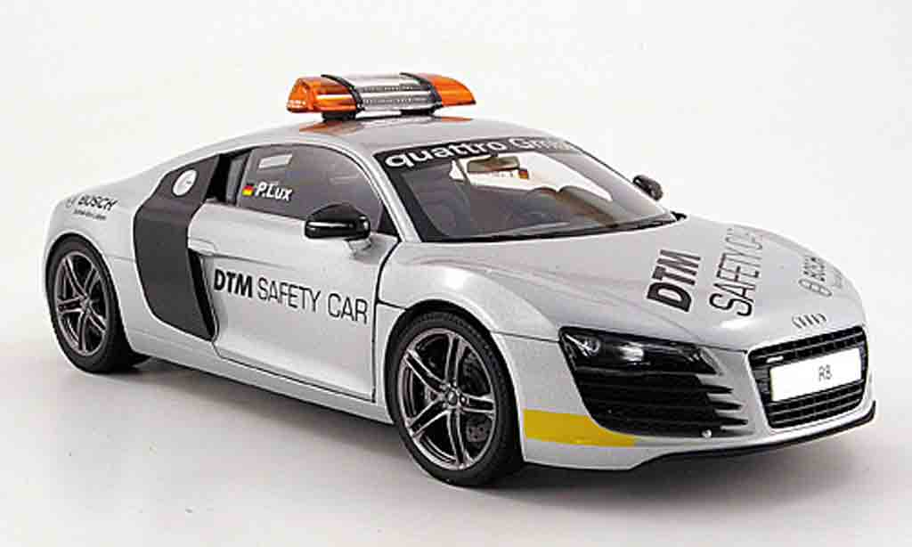 Audi R8 4.2. FSI 1/18 Kyosho (v 8) dtm safety car 2008 miniature