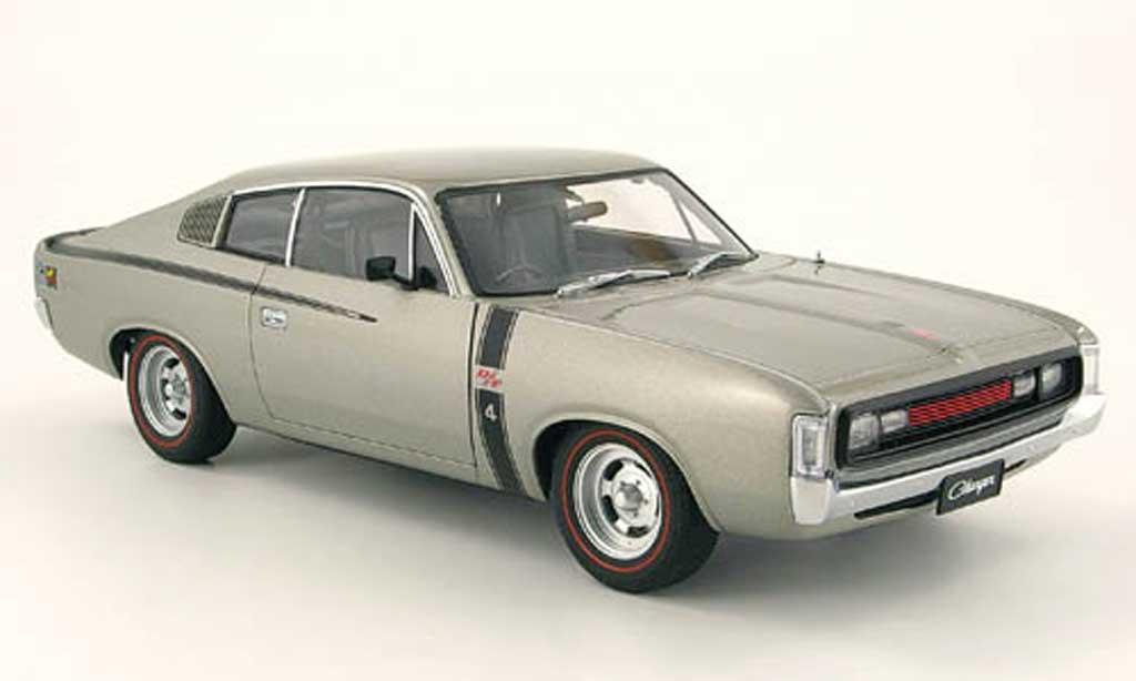 Chrysler Charger 1/18 Autoart e49 grise