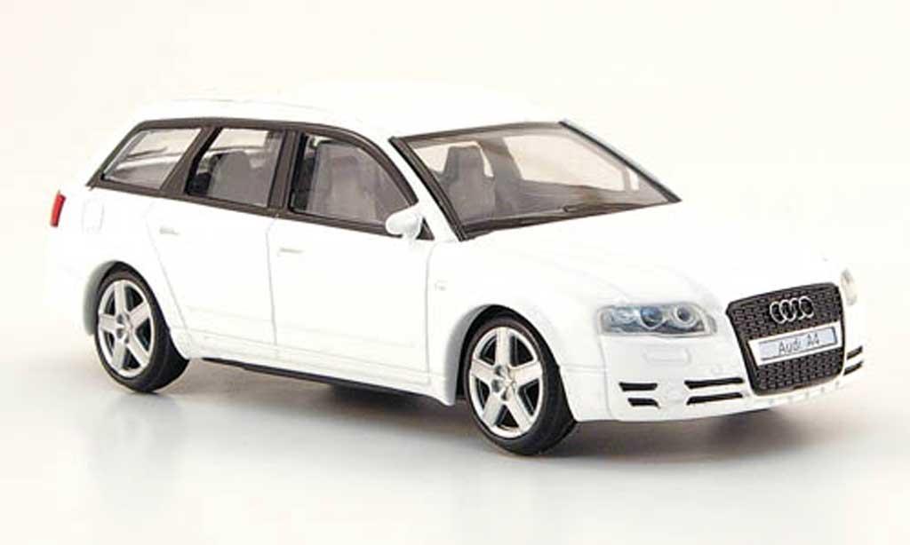 Audi A4 Avant 1/43 Mondo Motors blanche miniature