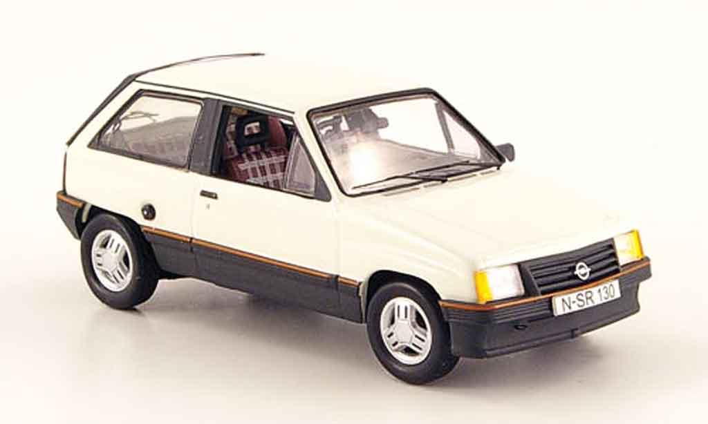Opel Corsa 1/43 Schuco a 1.3 sr white diecast model cars