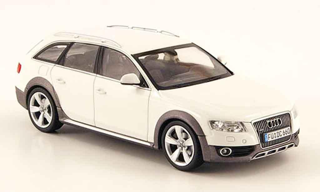 Audi A4 1/43 Schuco Allroad blanche 2009 miniature