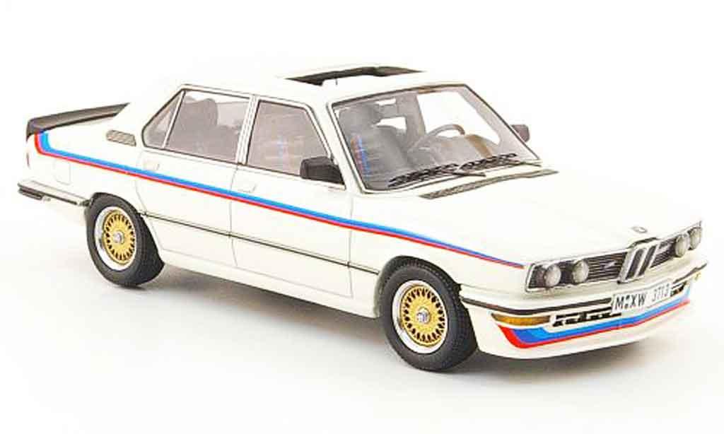 Bmw M5 E12 1/43 Neo 535i bianco avec Streifen 1980 modellino in miniatura