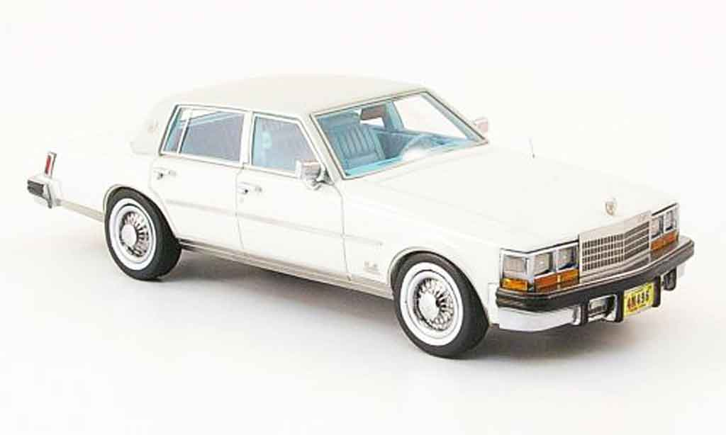 Cadillac Seville 1978 1/43 Neo MK I Elegante blanche grise miniature