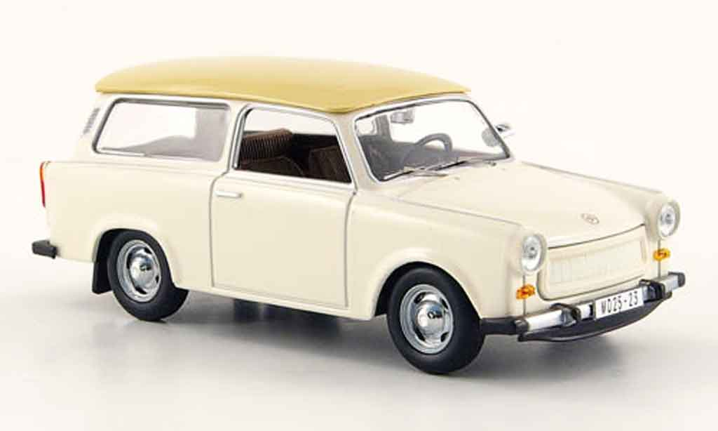 Trabant 601 1/43 IST Models Universal blanche beige 1965 miniature