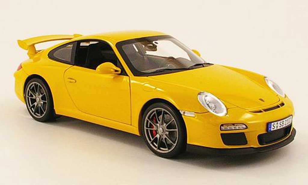 Porsche 997 GT3 1/18 Norev yellow 2009 diecast model cars