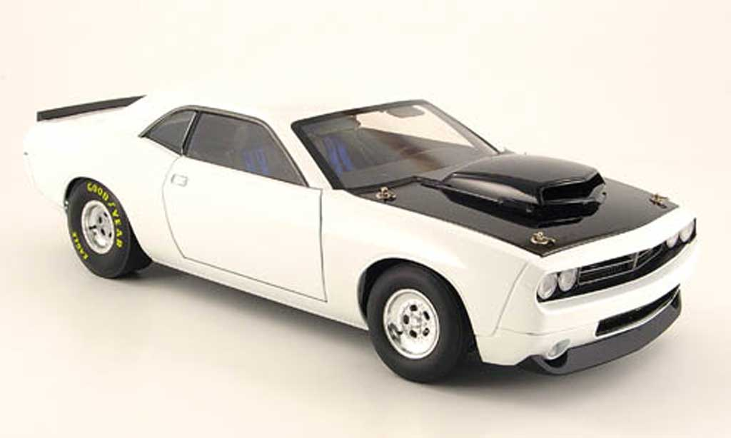 Dodge Challenger Super Stock 1/18 Highway 61 concept mule car blanche 2008 miniature