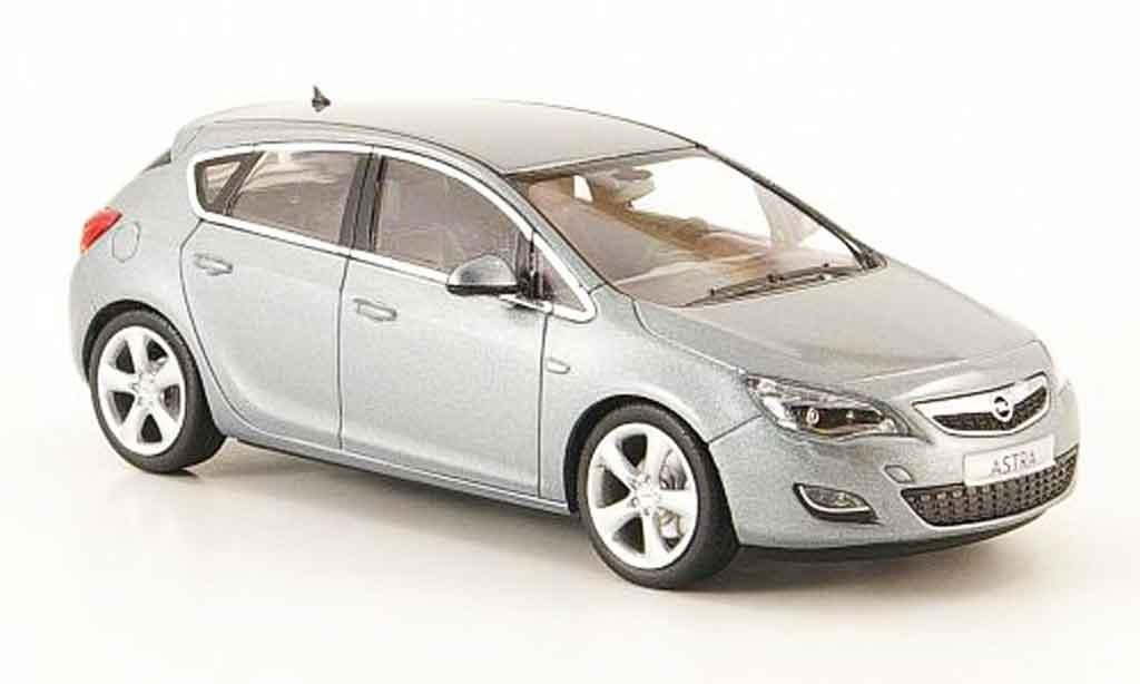 Opel Astra 1/43 Minichamps j grise 5 turig 2009 miniature
