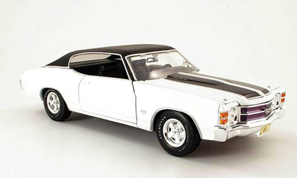 Chevrolet Chevelle 1971 1/18 Maisto SS454 blanche/noire miniature
