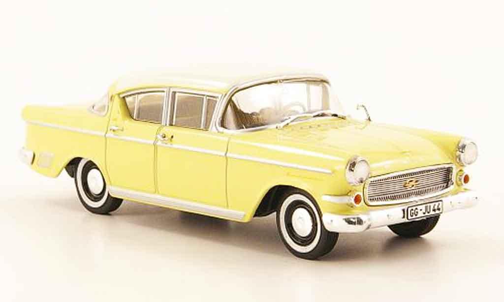 Opel Kapitan 1/43 Starline p 2.5 jaune blanche 1958 miniature