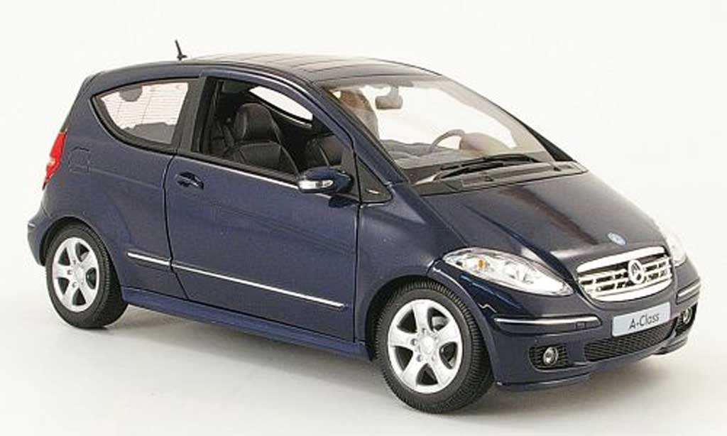 Mercedes Classe A 1/18 Welly 200 bleu 3 portes miniature