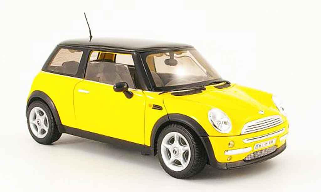 Mini Cooper D 1/18 Welly jaune noire dach miniature