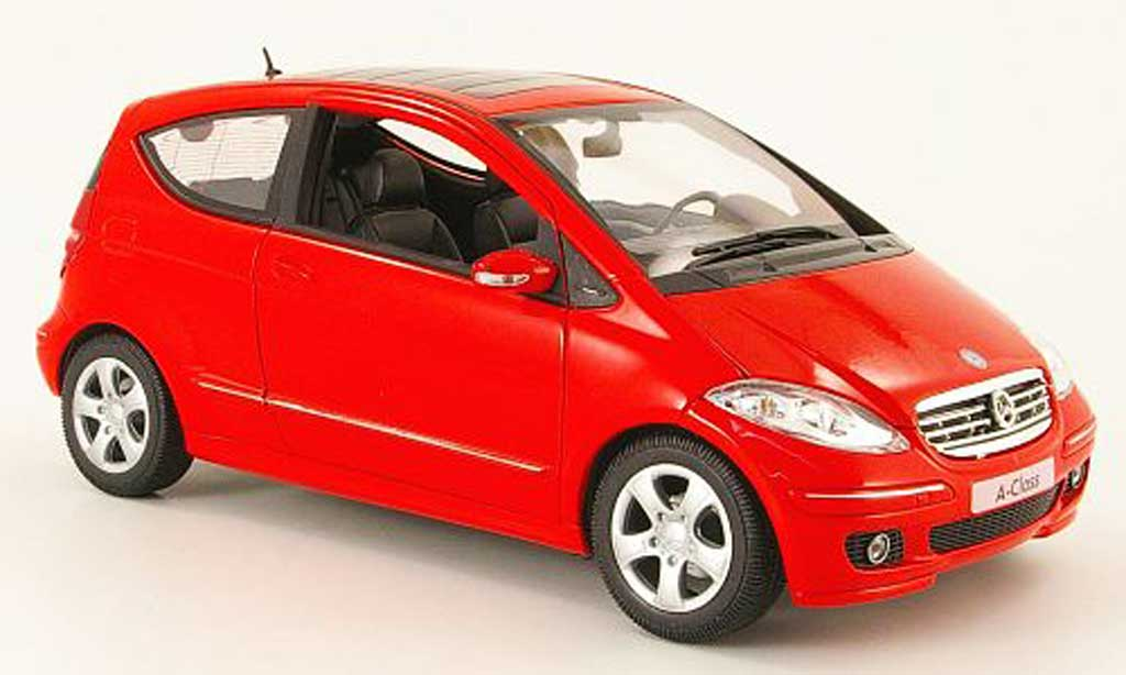 Mercedes Classe A 1/18 Welly 200 rouge 3 portes miniature