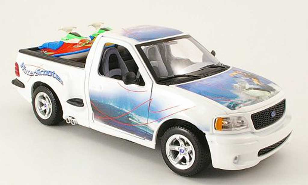 Ford F 150 1/18 Burago blanc avec 2 jet ski dans la benne miniature