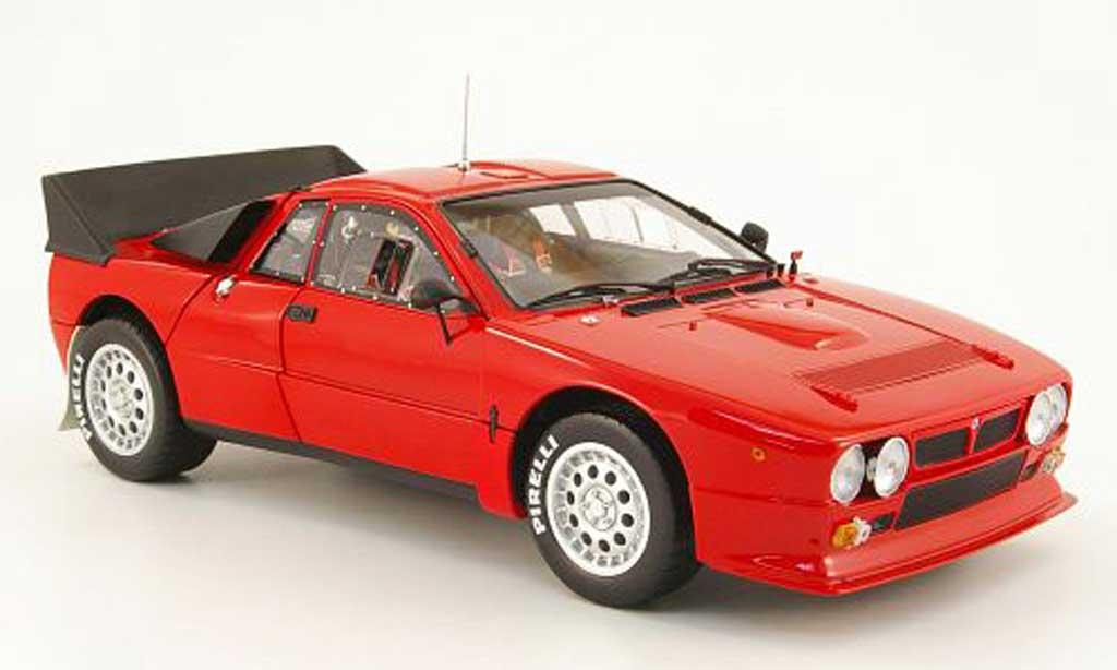 Lancia 037 1/18 Kyosho rallye rouge miniature