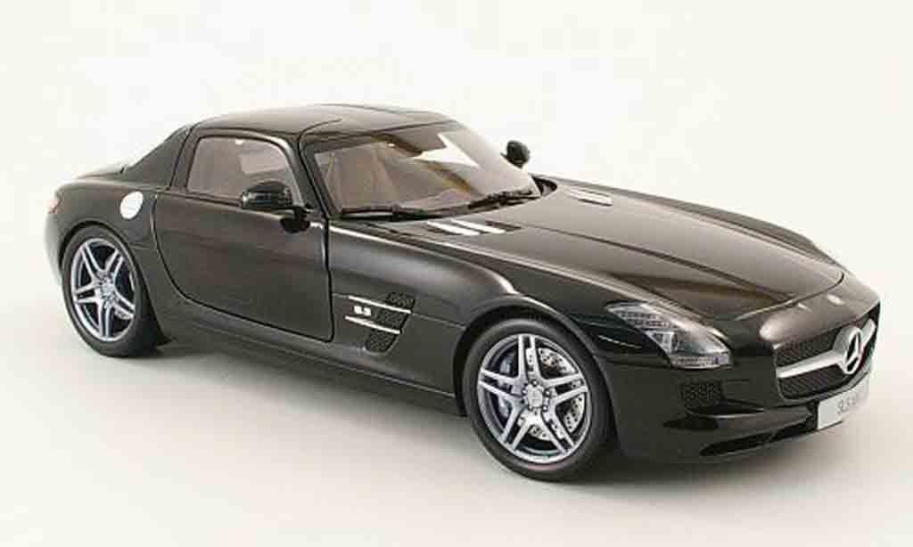 Mercedes SLS 1/18 Minichamps coupe amg (c197) noir 2010 miniature