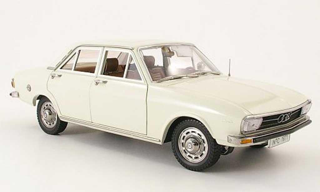 Audi 100 1/18 Signature (c1) creme blanche 1971 miniature