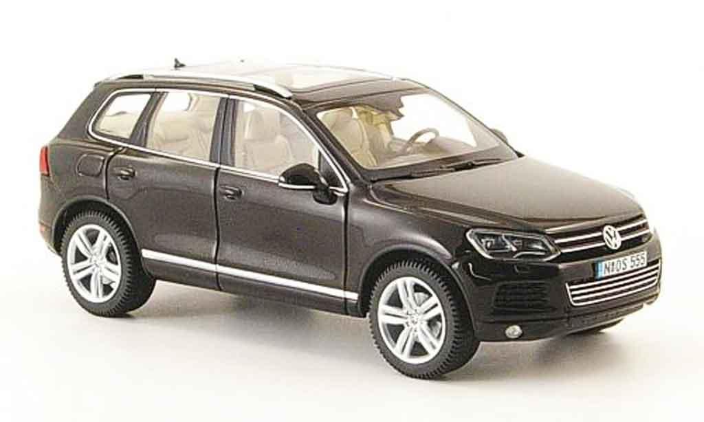 Volkswagen Touareg 1/43 Schuco ii black 2010 diecast model cars